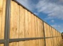 Kwikfynd Lap and Cap Timber Fencing arrawarra